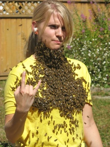 22-bee-beard-leanne-2
